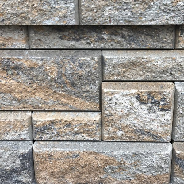 Calstone - Allan Block Collection Wall, Gray Charcoal Tan