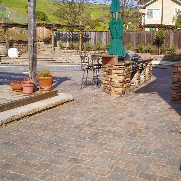 McNear - Old County Cobble Stone, Charcoal Tan